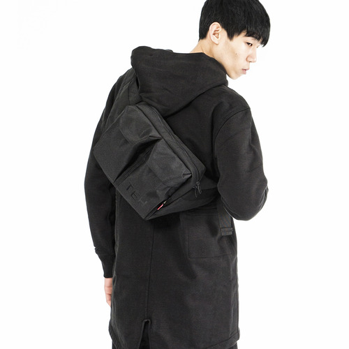 TEH SLING BAG - BLACK
