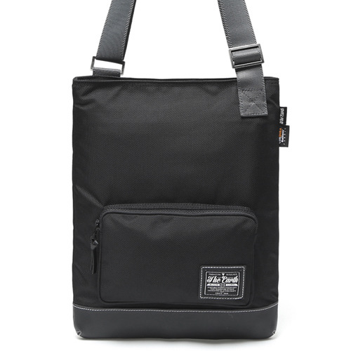 BLACK LABEL MESSENGER BAG - BLACK